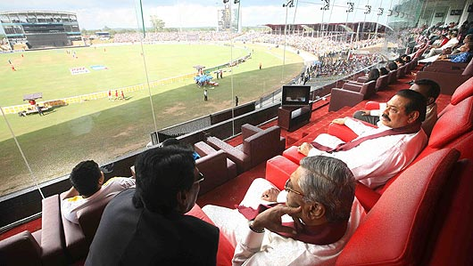president-mahinda-rajapaksa-ground-visit2.jpg