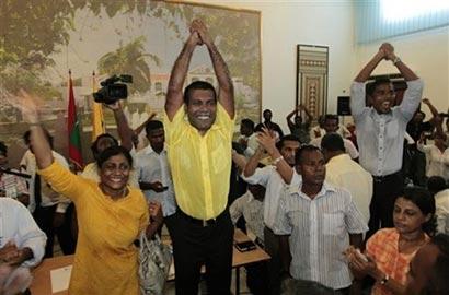 Arrest warrent Mohamed Nasheed Maldives