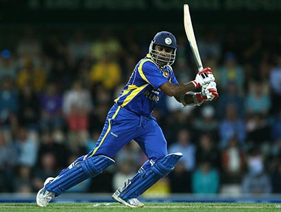 Mahela Jayawardena batting in Sri Lanka vs Australia match