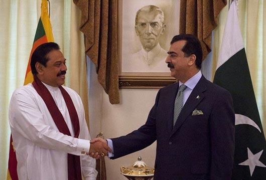 Sri Lanka President Rajapaksa with Pakistan Prime Minister