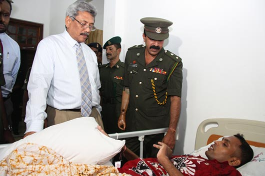 Defence Secretary pays a New Year visit to Mihindu Seth Medura