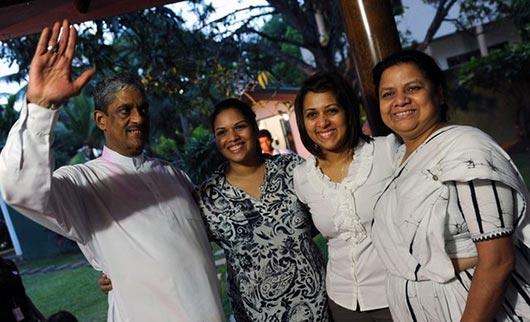 Sarath Fonseka free home