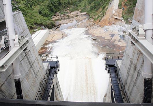 Sluice gates of the Upper Kotmale Hydro Power Project declared open by Sri Lanka President Mahinda Rajapaksa