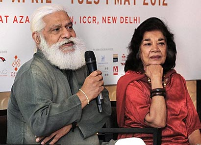 Suresh Jindal,Aruna Vasudev at New Delhi Buddhist film festival talking about film Inner Path
