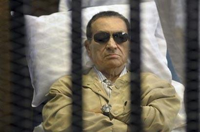 Egypt Hosni Mubarak in cage