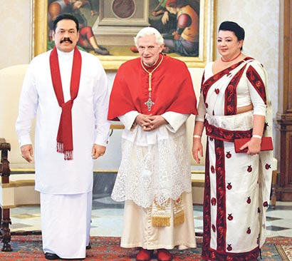 President Mahinda Rajapaksa yesterday met his holiness Pope Benedict  xvi