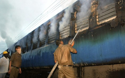 burnt people of a Tamil Nadu train
