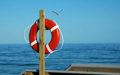 lifeguards rescued people drawn in Kirinda water of Sri Lanka
