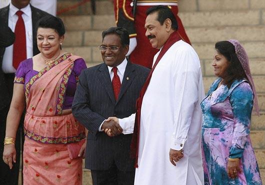 Sri Lanka President Mahinda Rajapaksa with Maldives President Mohamed Waheed in Colombo - Sri Lanka