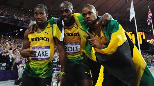 Usain Bolt wins 200m