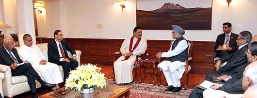 President Rajapaksa meets Indian PM Dr Singh