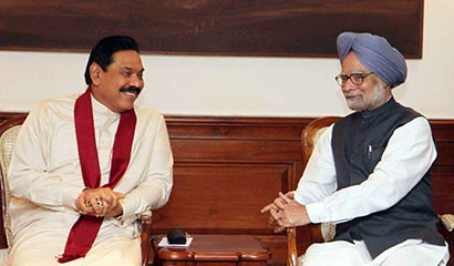 President Rajapaksa meets Indian PM Dr Singh