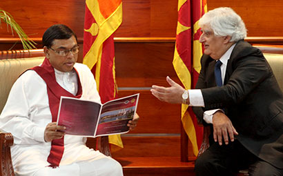 Minister Basil Rajapaksa with Chairman of Commonwealth Business Council