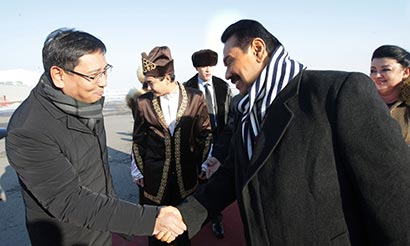 Sri Lanka President Rajapaksa arrives in Kazakhstan on a state visit - Photo 1