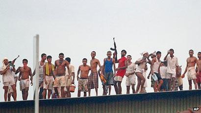 Sri Lanka : Welkada Prison Riots