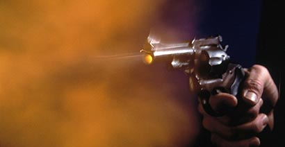 Armed robber shot dead by police in Minuwangoda
