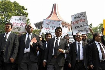 Sri Lanka lawyers boycott courts over impeachment