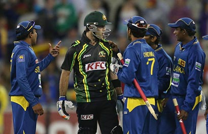 Glen Maxwell vs Mahela