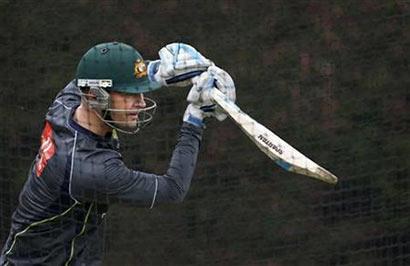 Australia recall Clarke for Sri Lanka ODIs