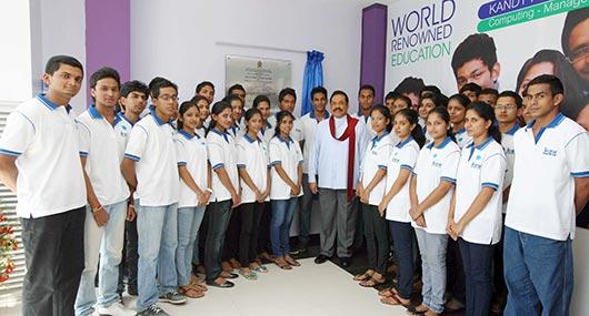 President Rajapaksa declares open new NIBM Branch in Kandy