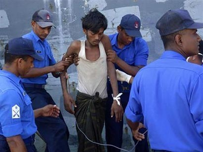 Myanmar migrant survivors tell of throwing dead overboard