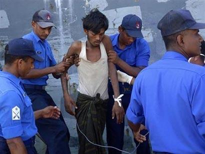Myanmar migrant survivors tell of throwing dead overboard