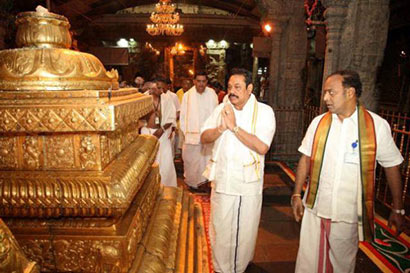 Rajapaksa prays at Tirumala temple