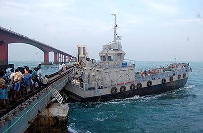 Titagarh Marine takes barge out through Sri Lanka