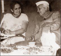 Sirimavo with Pandit Jawaharlal Nehru