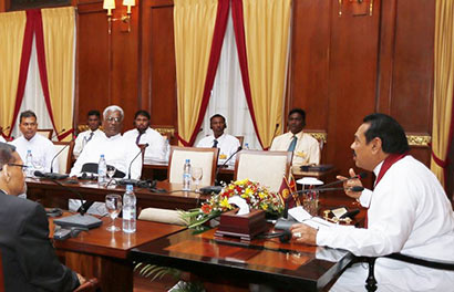 President Mahinda Rajapaksa met the Catholic clergy from the Diocese of ‪Mannar‬