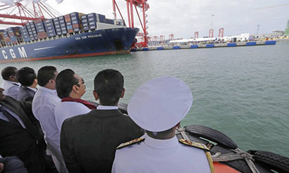 President Mahinda Rajapaksa at new Colombo South Port built