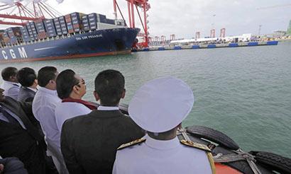 President Mahinda Rajapaksa at new Colombo South Port built