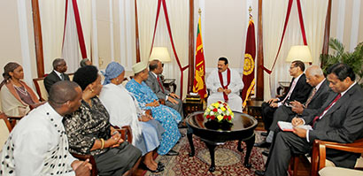 Six new foreign envoys present credentials