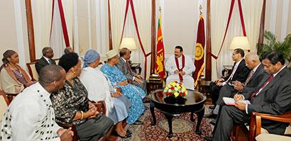Six new foreign envoys present credentials