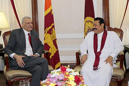 Commonwealth Secretary-General Mr. Kamalesh Sharma called on Sri Lankan President Mahinda Rajapaksa