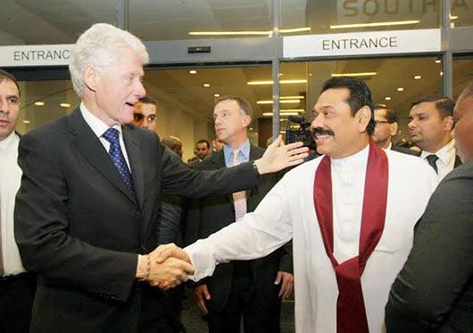 Sri Lanka President Rajapaksa pays last respects to late South Africa leader Nelson Mandela