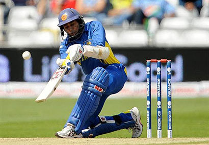 TM Dilshan batting