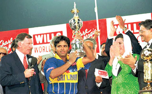Arjuna Ranatunga lifting the World Cup after Sri Lanka beat Australia in the final of the one day world cup cricket tournament held in Lahore, Pakistan in March 1996