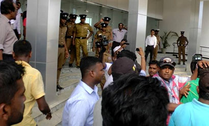 UNP MPs attacked at Mattala