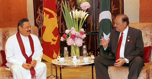 Sri Lanka and Pakistan leaders hold talks in China