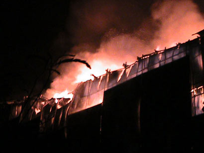 Fire destroys clothing store in Panadura