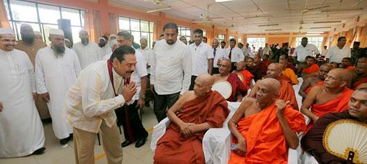 President Mahinda Rajapaksa visited the Aluthgama and Beruwala areas