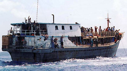 Sri Lankan refugees in trouble off Christmas Island