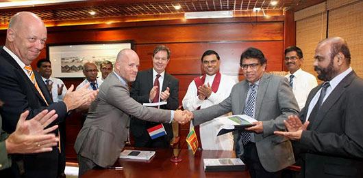 Simon Smits met Basil Rajapaksa