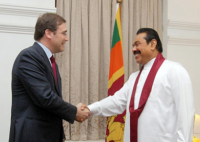 Sri Lanka President Mahinda Rajapaksa and Portugal Prime Minister Pedro Passos Coelho