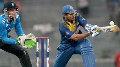 T.M.Dilshan batting