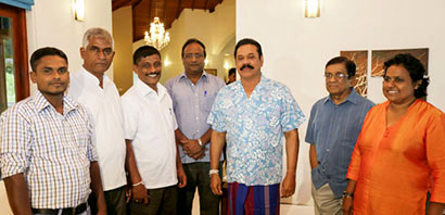 Lahugala PS Vice Chairman, 2 UNP members join UPFA
