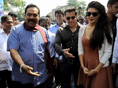 Sri Lanka President Mahinda Rajapaksa with Salman Khan, Jacqueline Fernandez