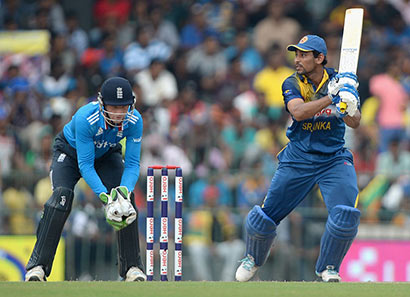 T.M. Dilshan batting