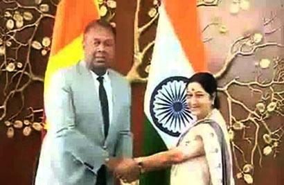 Mangala Samaraweera met Sushma Swaraj